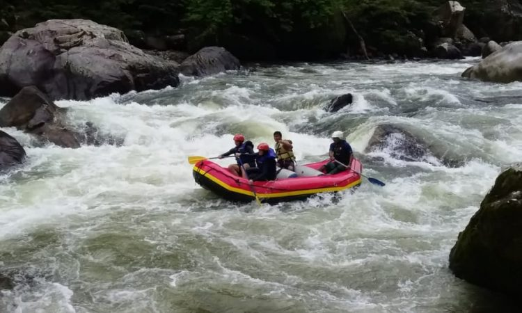 "Rafting ""Jondachi / Hollin River"" 1 day tour (Class IV-V) gallery images"